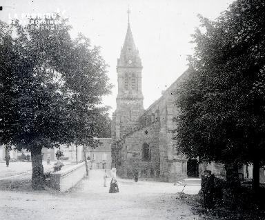 B002 Eglise de village