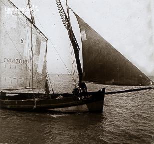B005 Le bateau à voile