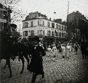 Défilé parisien