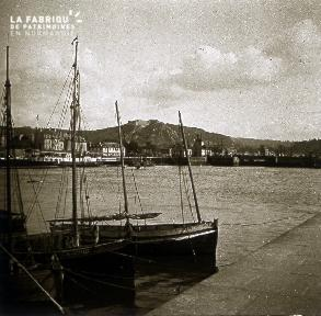 B007 Barques dans le port