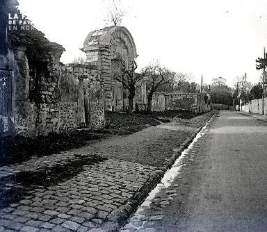 B007 La porte en pierre