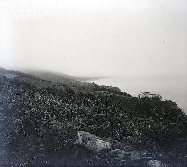 B007 Vue du haut de la falaise