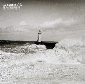 B008 Le phare dans la tempête