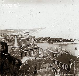 B008 Le port vue du haut