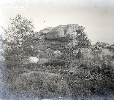 B009 Le rocher