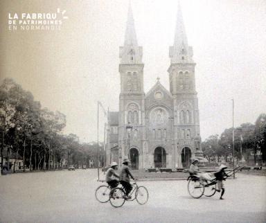 B016 Saïgon La cathédrale