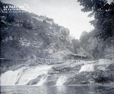 B017 La cascade 2