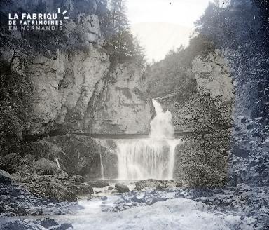 B017 La cascade