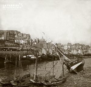 B018 Les bateaux échoués