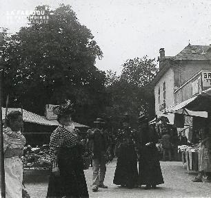B020 Quotidien femmes au marché