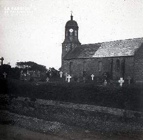B021 La Hague église et cimetière