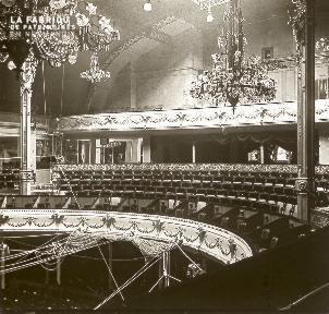 B035 Interieur d'un théâtre