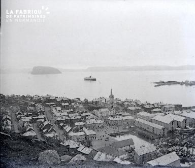 B042 Norvege village et fjord 1925