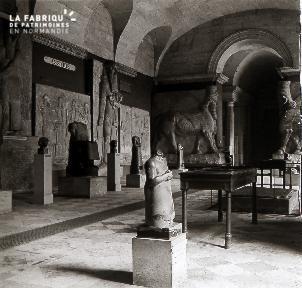 B047 Paris Le Louvre