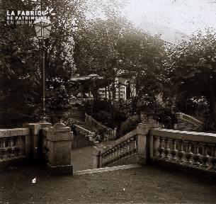 B051 L'escalier en terrasses