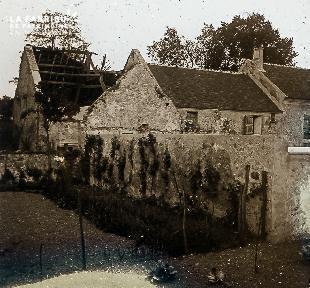B052 La vieille maison