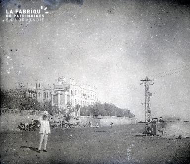 B053 Le palais colonial