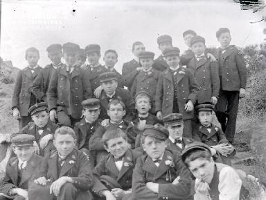B075 Groupe d'enfants 2
