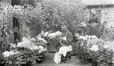 B083 Le jardinier aux fleurs
