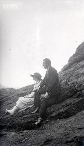 B085 Le couple sur les rochers
