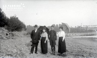 Groupe avec ombrelles