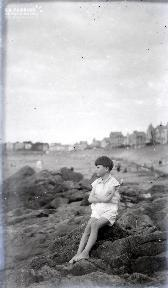 B089 L'enfant qui regardait la mer