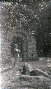 b090 La porte romane 2