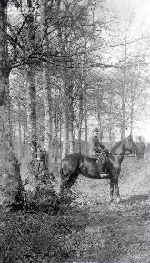 B091 A cheval