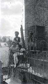 B091 Au balcon