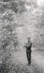 B091 Soldat dans le sous-bois