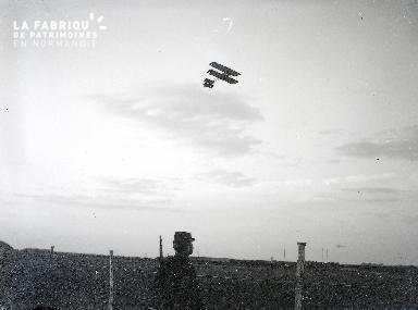 C001 L'avion dans le ciel