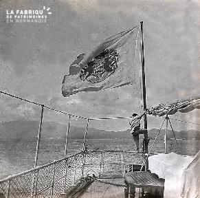 C004 Le drapeau