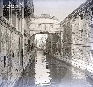 C004 Venise Le pont des soupirs
