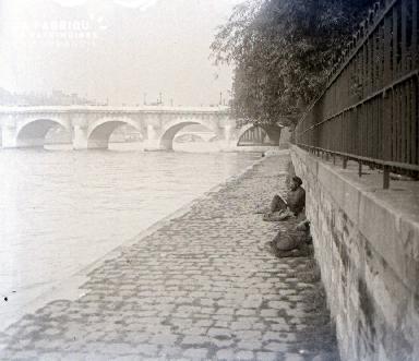 C007 Paris Sur les quais 2