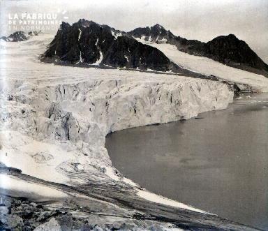 C011 Le glacier