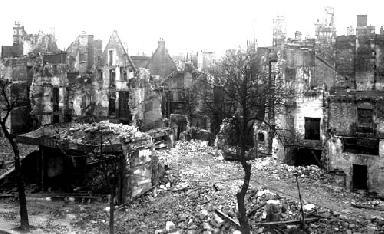 Caen, Boulevard Saint Pierre en ruines