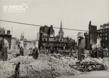 Rouen, les quais en direction de Saint Maclou et Saint Ouen