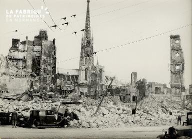 Rouen sous les décombres en 1940