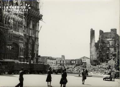Rouen, place de la Cathédrale
