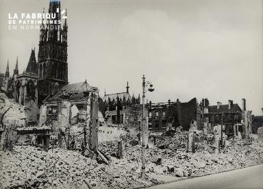 Rouen, place de la République - La Maison des Abeilles