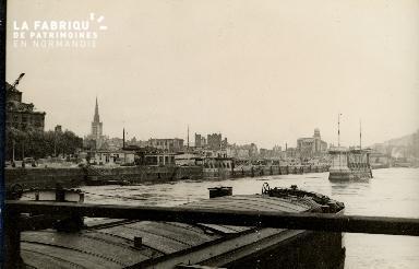 Rouen, pont de Boeldieu pris depuis le pont d'un bateau