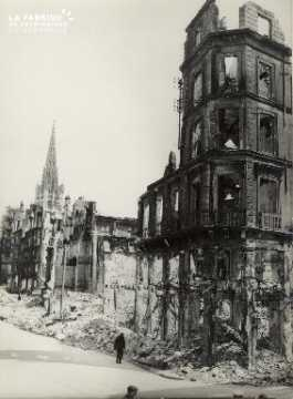 Rouen, rue de la République à hauteur des Augustins