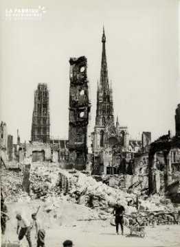 Rouen, vue des quais prise vers la rue du Bac