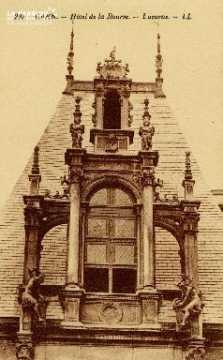 Caen, Hôtel de la Bourse (lucarne)