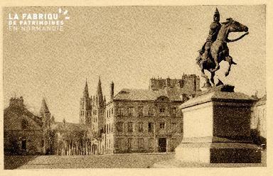 Caen, statue de Duguesclin, place Saint-Martin