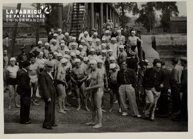 Caen, traversée de la ville à la nage, appel des concurrents (6 août 1