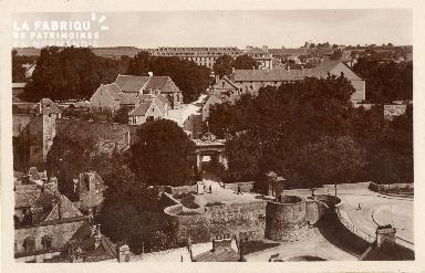 Caen, vue générale du château prise de Saint-Pierre