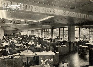 hommes au bureau