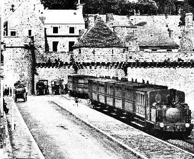 Train devant le Mont Saint-Michel
