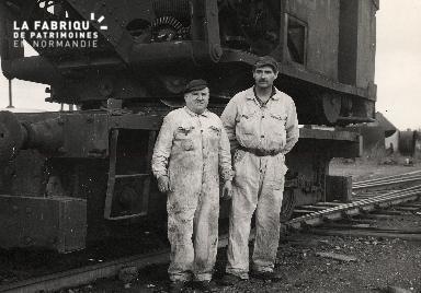 Chemin de fer, cheminots proche de la société métallurgique de Normandie à Colombelles